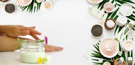 Cosmesi fai da te: 10 ricette (facili) per pelle e capelli